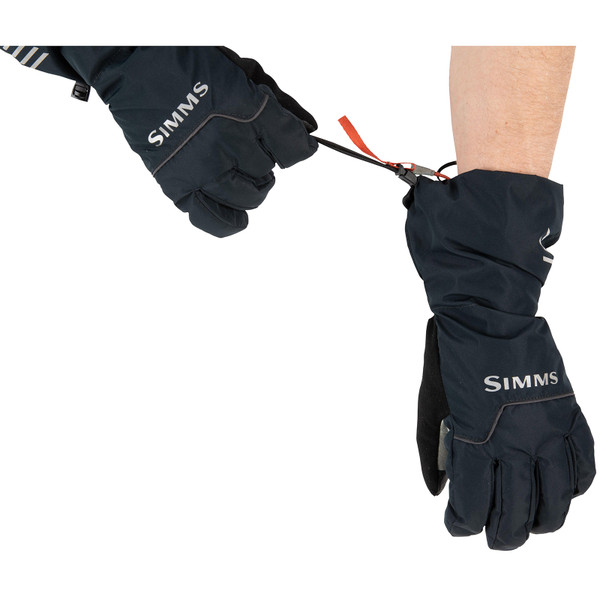 Simms Men's Challenger Insulated Gloves on model wrist closure