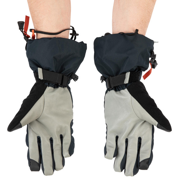 Simms Men's Challenger Insulated Gloves on model palm